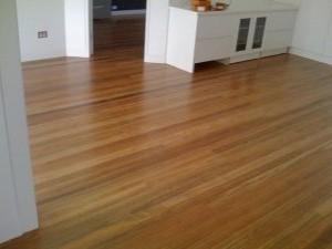 Spotted Gum Solid Tread 2
